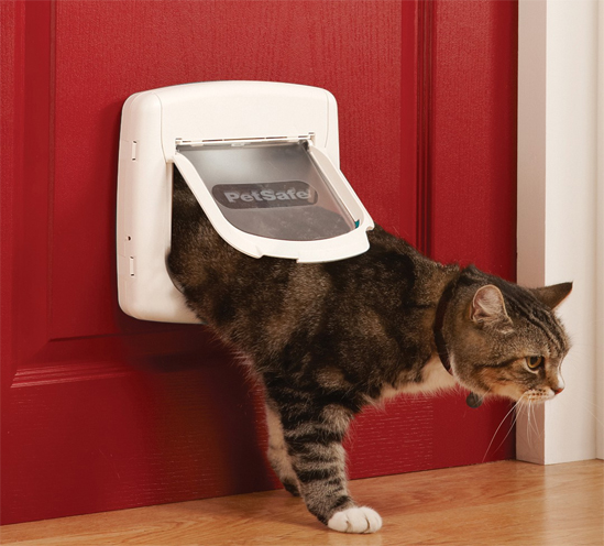 Magnetic 4 Way Locking Classic Cat Flaps Model 917 The