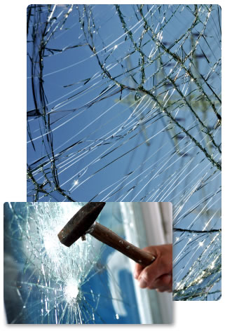 Laminated glass being struck by hammer